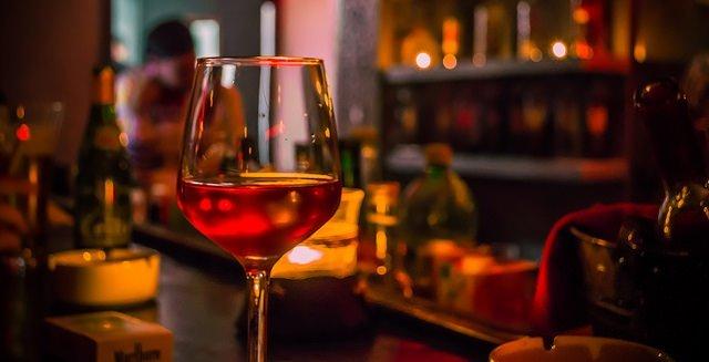 I solfiti nel vino fanno bene o sono pericolosi?