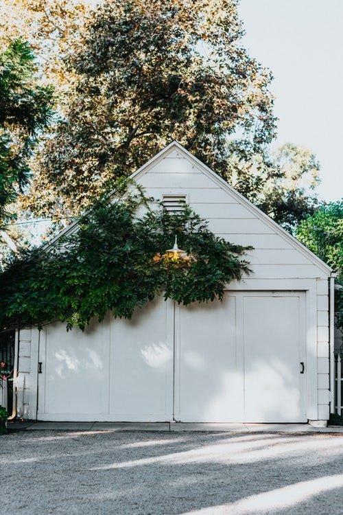 Garage in legno per tanti utilizzi