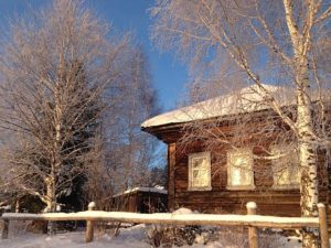 Le casette in legno da giardino con finestre