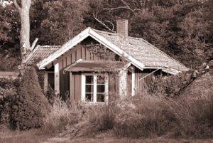 Inserire una pratica casetta in legno 2×2 in giardino