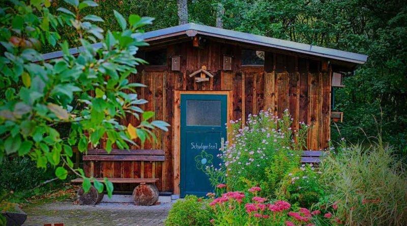 Come abbellire lo spazio esterno con una casetta in legno