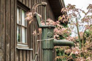Installare in giardino una casetta per gli attrezzi