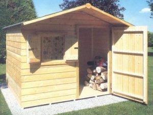 Come assemblare una casetta da giardino in legno?