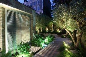 L'illuminazione in giardino
