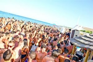 Salento by night. La top 10 per il divertimento da spiaggia